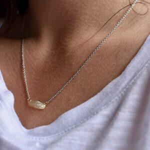 Gouden hanger ketting huidafdruk second skin