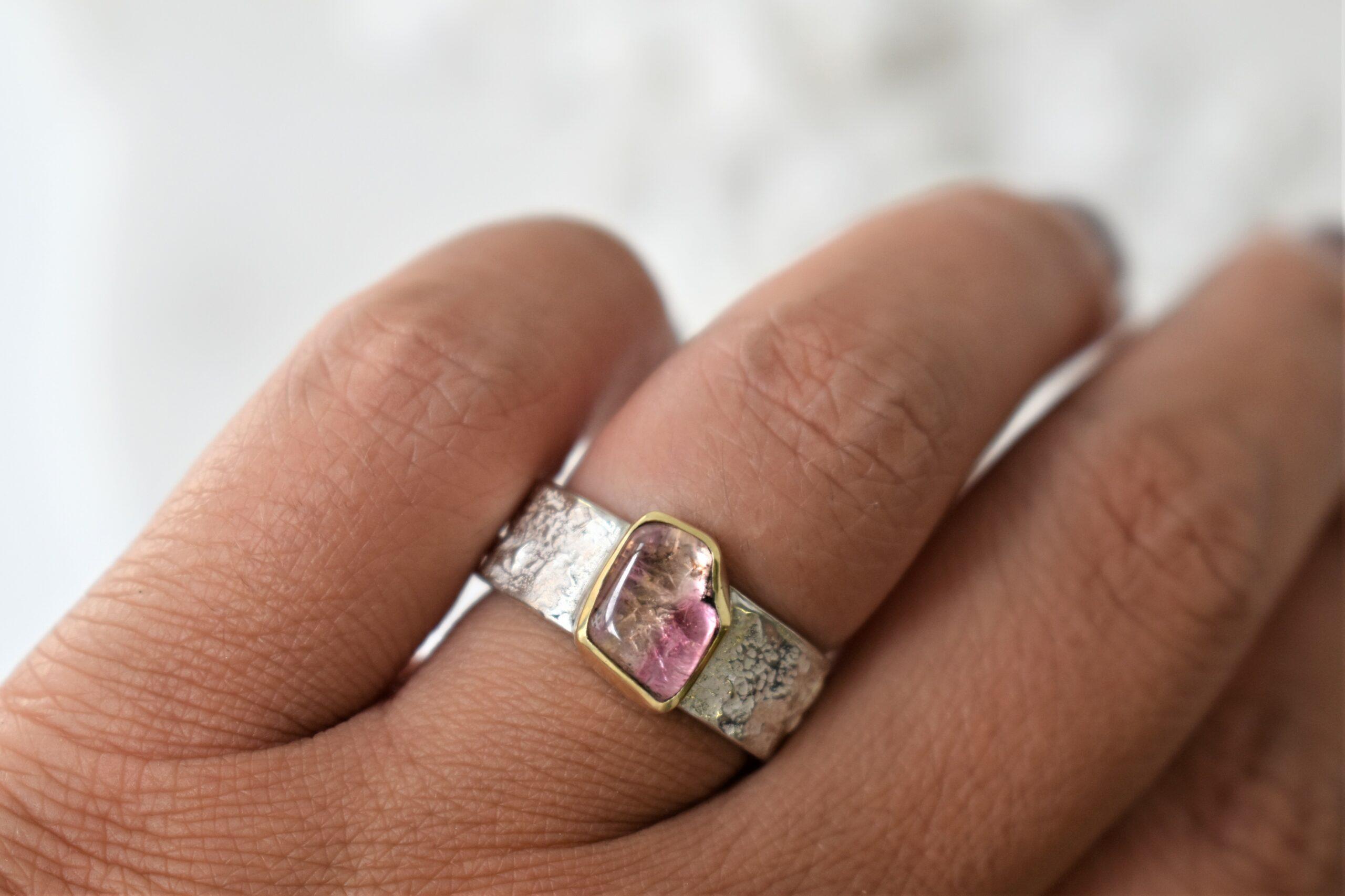 zilveren ring met goud en toermalijn