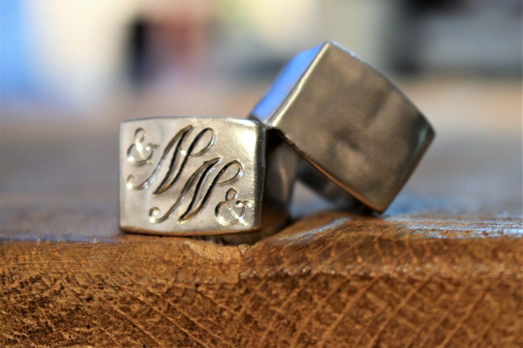 Zegelring - Cachetring in zilver met handgravure