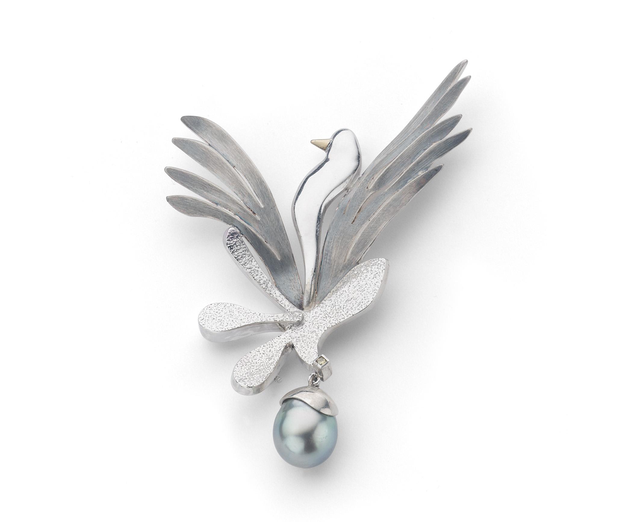 Zilveren broche vogel met parel
