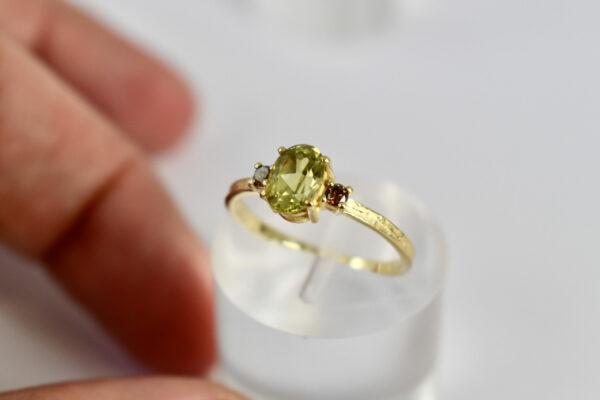 Nico Taeymans AUG ring met peridoot en diamant