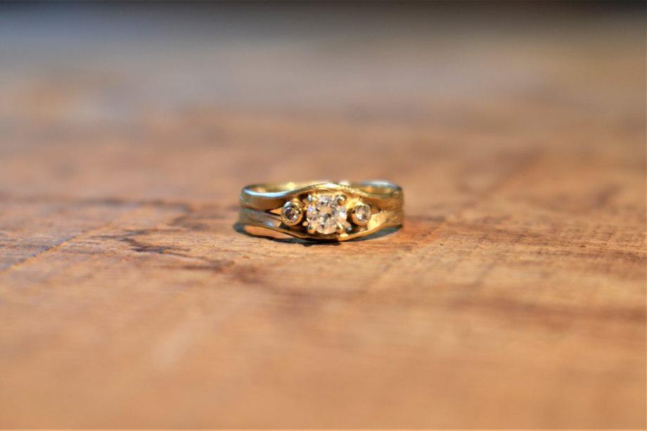 Ncio taeymans gouden ring met diamant